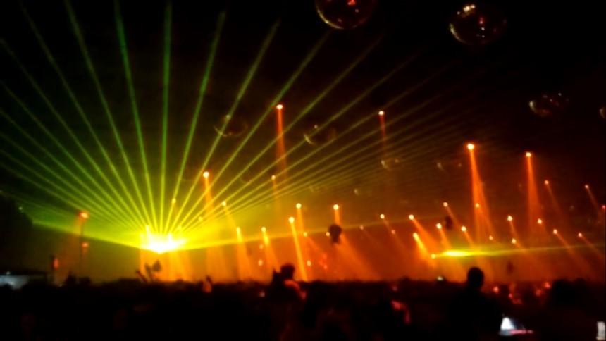 Efter drogöverdos - elektroniska musikfestivaler förbjuds