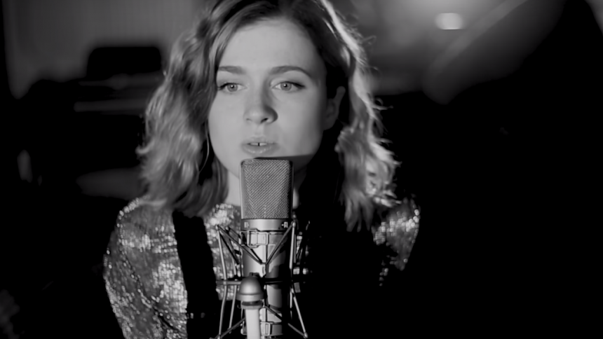 VIDEOPREMIÄR: Amy Deasismont – One