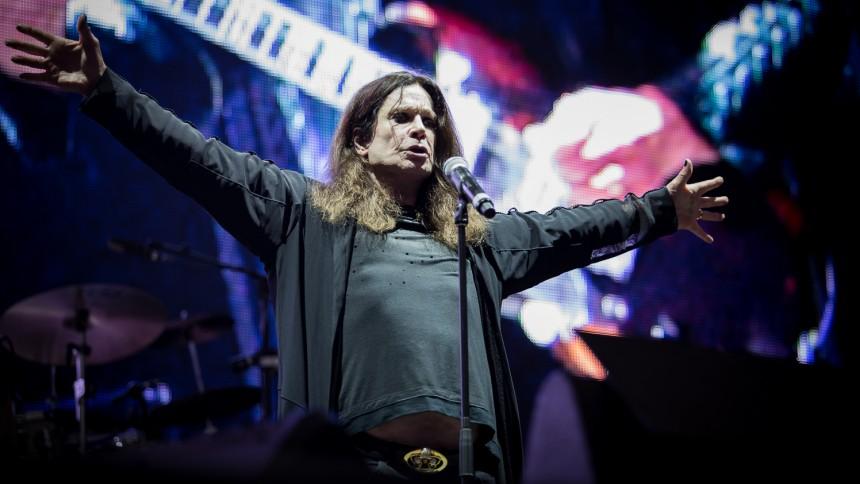 Ozzy Osbourne förd till sjukhus