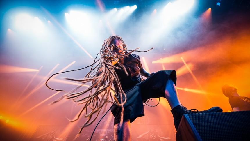 Gruppvåldtäkts-åtalet mot metalbandet läggs ned