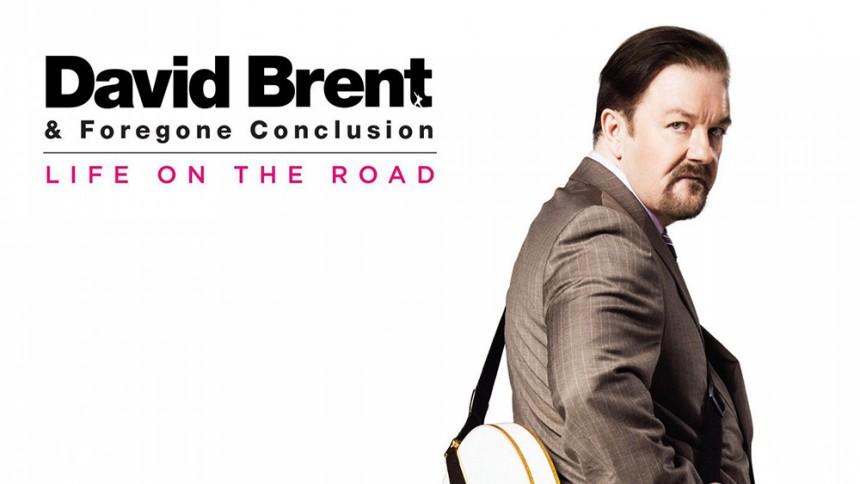 Ricky Gervais mardrömschef lever ut rockstjärnedrömmen