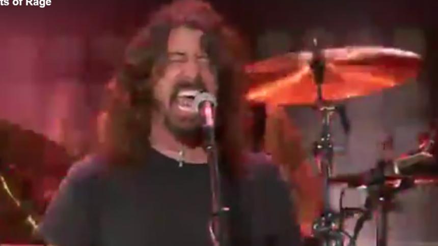 Se Dave Grohl göra Prophets Of Rage till en megasupergrupp