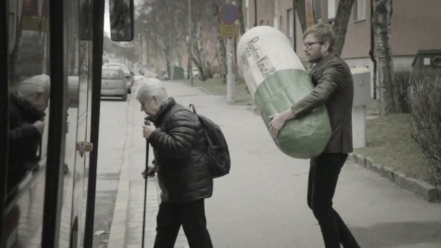 VIDEOPREMIÄR: Runtom Knuten med pop-pillret Majlis