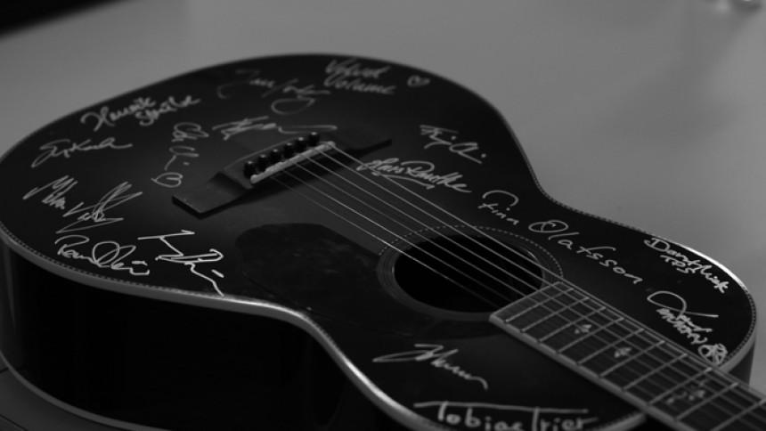 Legendarisk gitarrjätte ansöker om konkurs