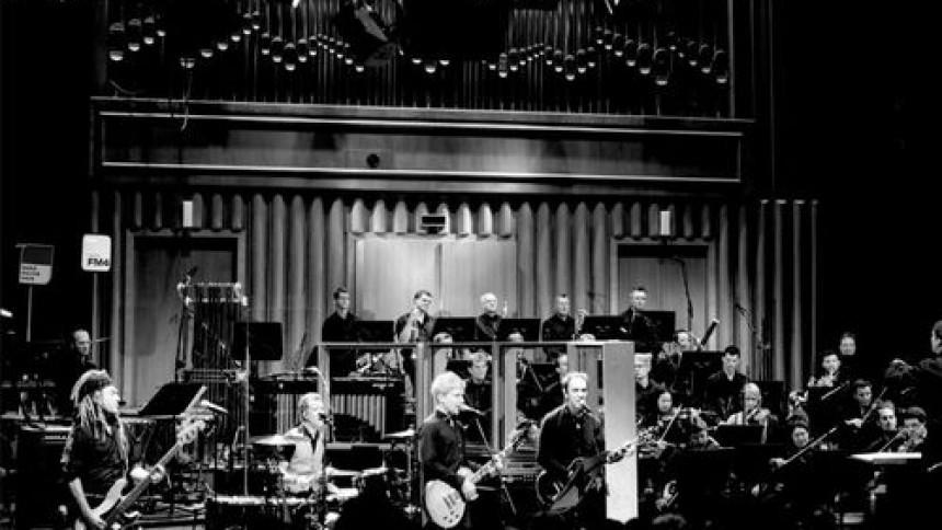 Alternativa New York-rocken möter tyska symfoniorkestern