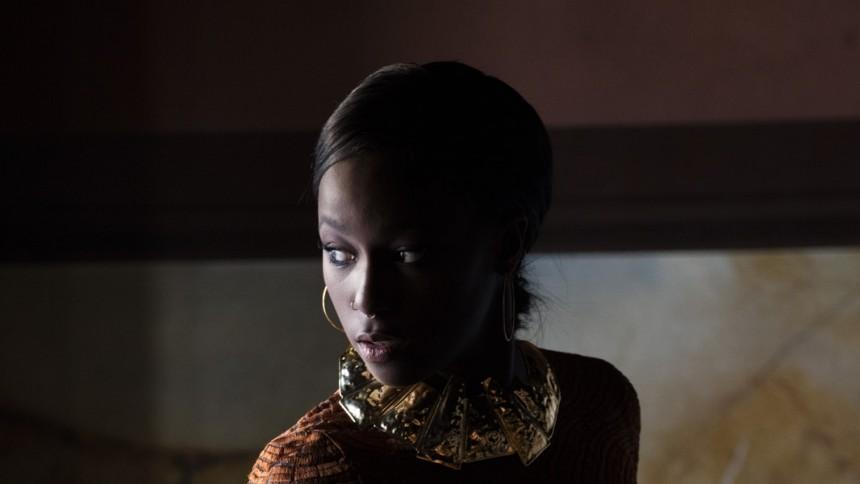 INTERVJU: Sabina Ddumba ger ett långfinger åt den röda tråden