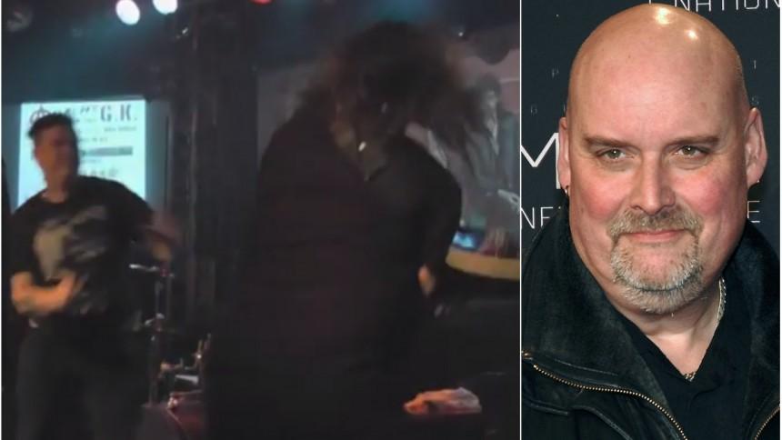 Här attackeras Ronny Svenssons punkband – gitarristen bröt foten