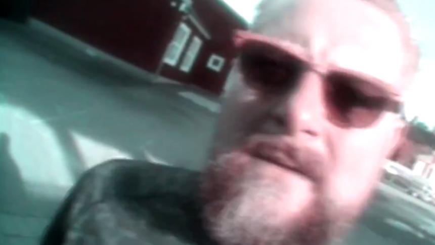 LUCKA 23: Krösus får oss att brinna mitt i julhysterin – kolla in bandets nya video