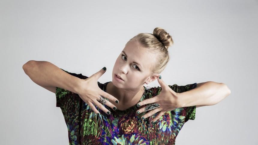 LÅTPREMIÄR: Frida Scar – Stör Mig