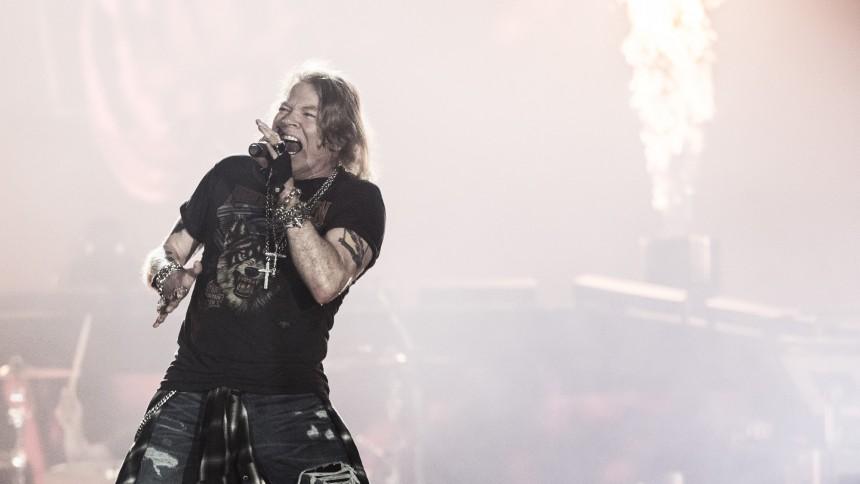 "Guns N' Roses-manager rasar mot ""okunniga fans"""