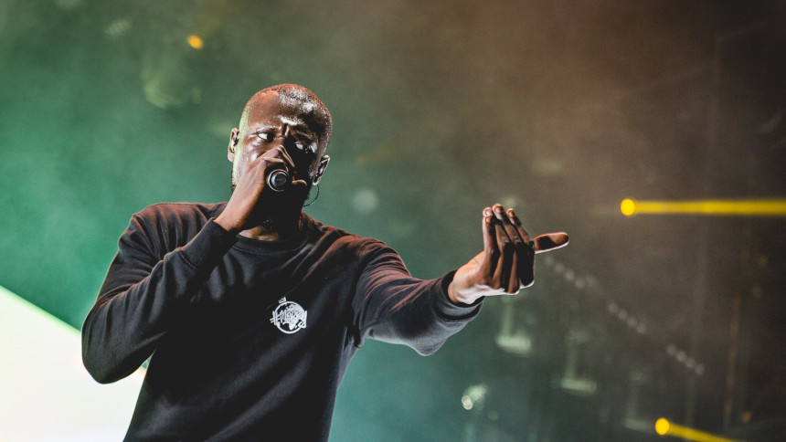 Rapstjärnan anklagar festival för rasism – ställer in sin spelning