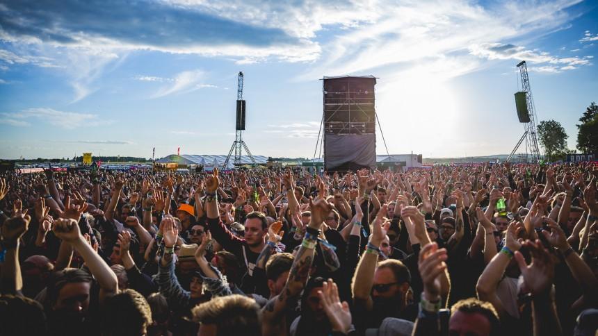 Vittne till Bråvalla-våldtäkt: Kom ut med gylfen öppen och gjorde high five