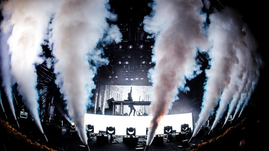 """""""Vi välkomnar en av världens största artister till festivalen"""""""