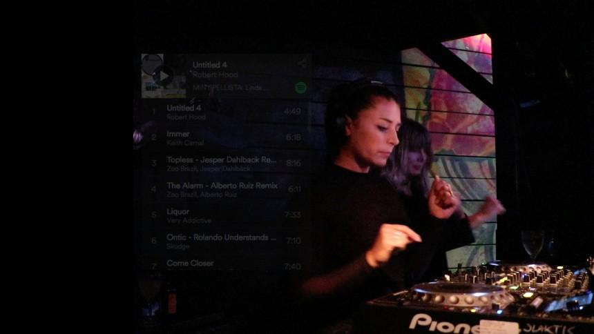 MIN SPELLISTA: DJ:n Linda Pistol ger tung bas och elektriska beats