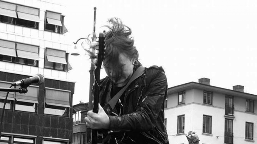 Punk-Jon släpper singel