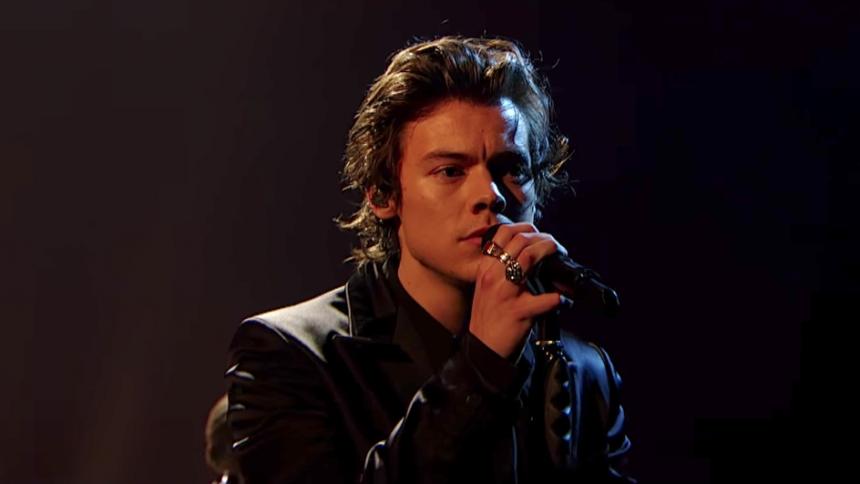 Harry Styles förföljs av hemlös man