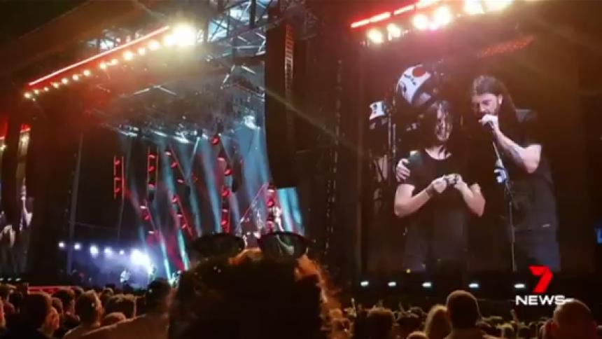"""Se Foo Fighters göra fanets kväll – """"detta kommer räcka livet ut"""""""