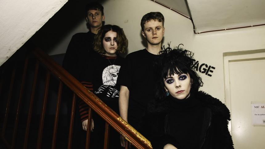 BÄST JUST NU: Hyperkommersiell svartsminkad goth-indie-poprock