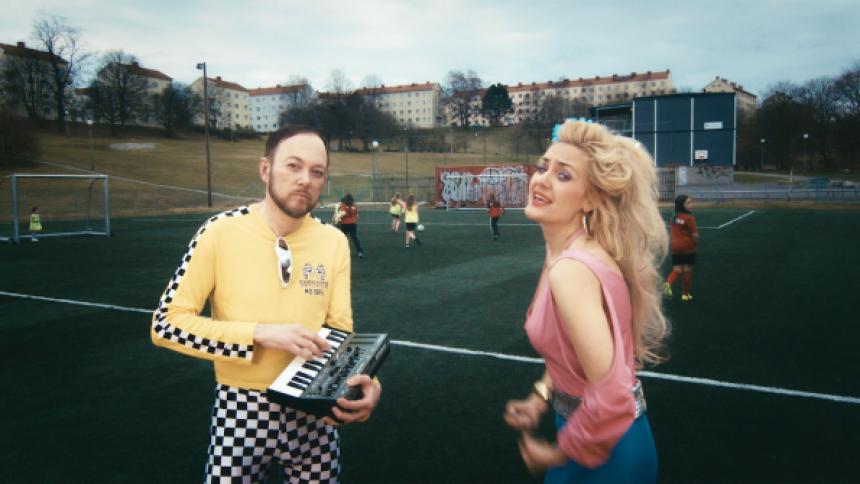 Göteborgare tacklar fotbolls-VM med italodisco