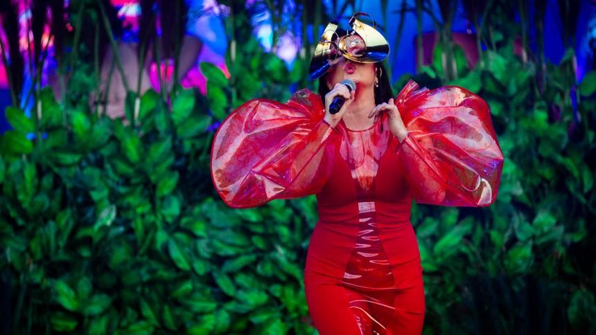 Därför recenserar vi inte Björks Sverigespelning