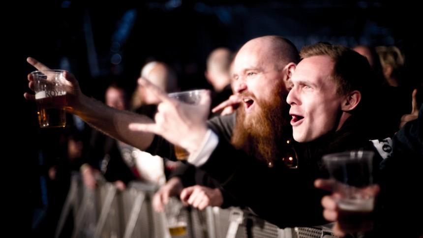 Rockfans sprider skräck i Halmstad