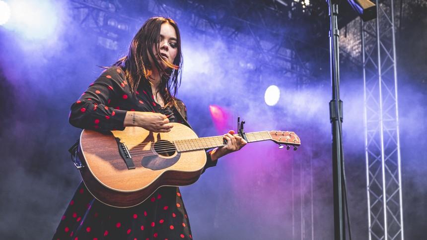 50 procent av alla nya gitarrister är kvinnor