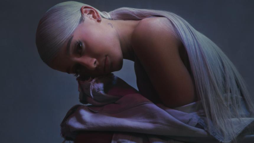 Ariana Grande stäms efter att ha publicerat en bild – på sig själv