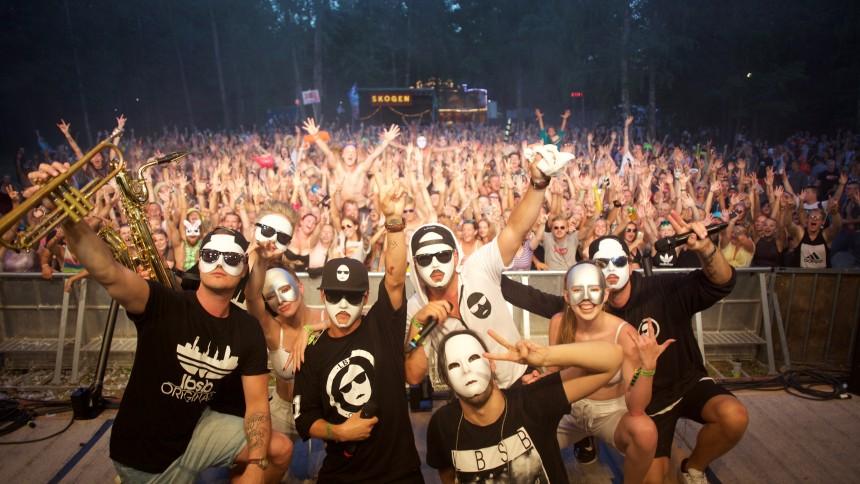 Det maskprydda fenomenet gör Sverige
