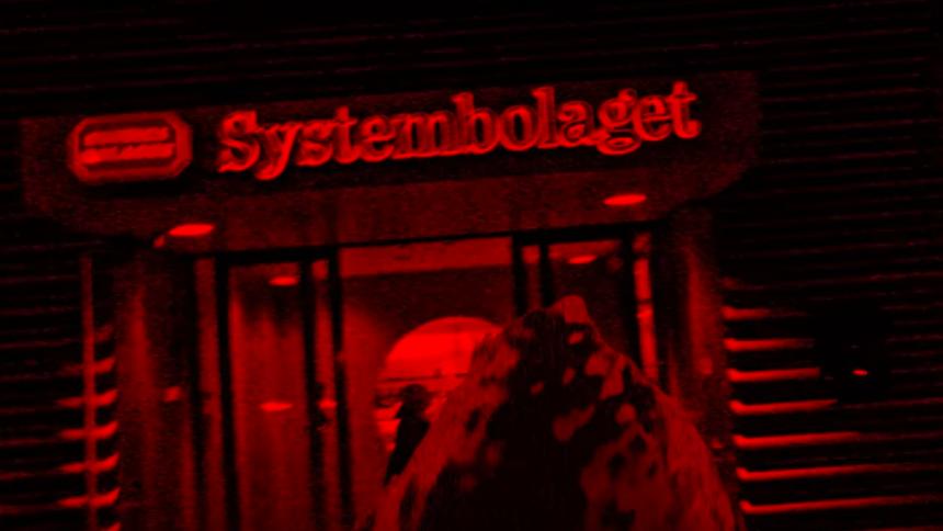 PREMIÄR: En otäck hök röjer i Stockholm