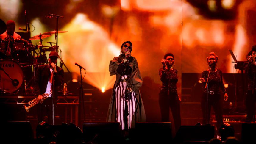 Ms. Lauryn Hill till Sverige
