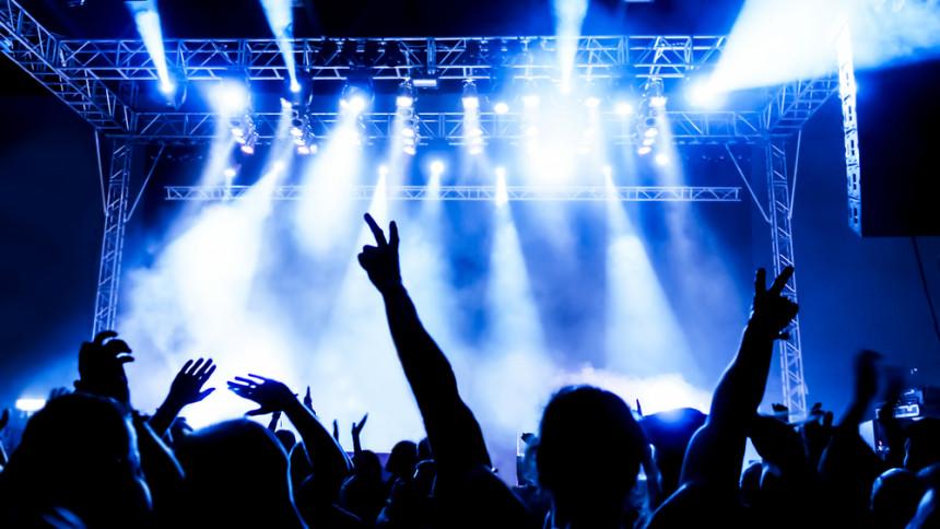 MEST LÄST: Tonåring försökte stjäla flygplan för att hinna till konsert