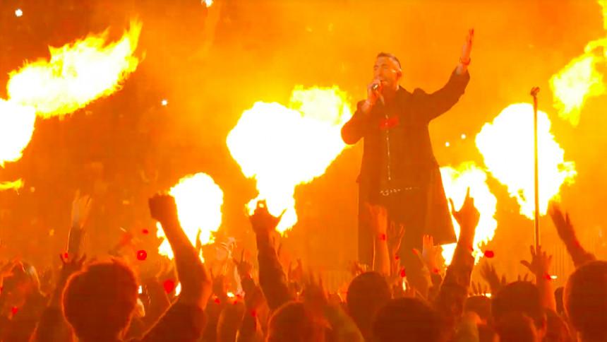 Se Maroon 5:s totalsågade Super Bowl-show