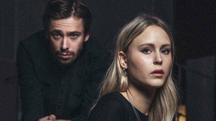 """PREMIÄR: Selma & Gustaf med ny singel – """"för oss handlar den om ensamhet"""""""