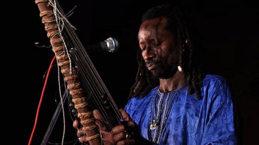 Knep svensk Grammis – nu har musikmästaren Solo Cissokho gått bort