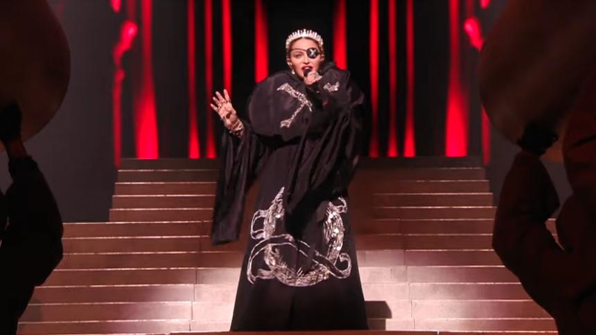 Madonna mörkar Eurovision-fiaskot – falsksången bortredigerad