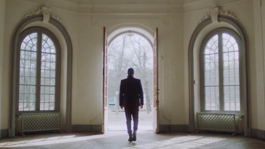 PREMIÄR: Kärleksalbum besvaras med musikvideo – från flickvännen