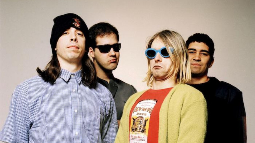 Superstjärnan tolkar Nirvana-låtar för välgörenhet