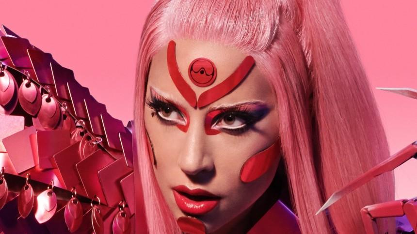 Lady Gaga tar hjälp av svensk stjärna