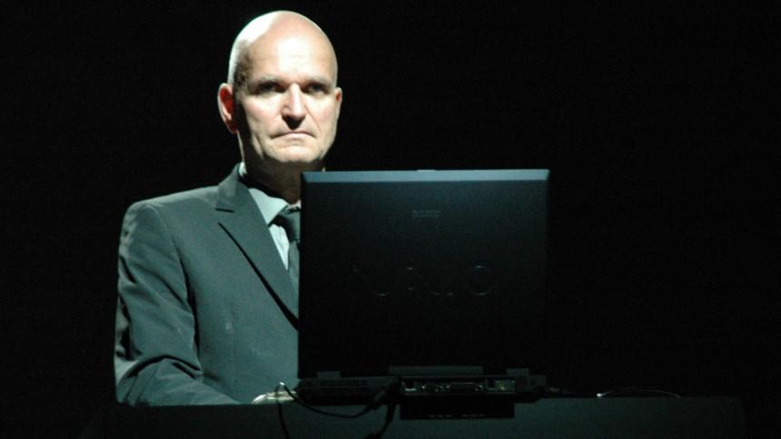 Florian Schneider hyllas via interaktiv lyssningsfest