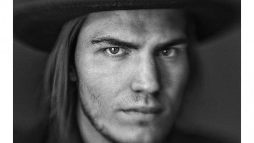 """Amerikansk artist ger Sverigespelning – """"om jag blir insläppt"""""""