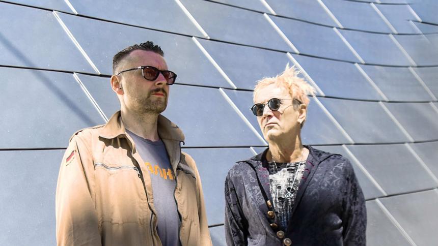 Produktiv Vancouver-duo inleder året med nytt album