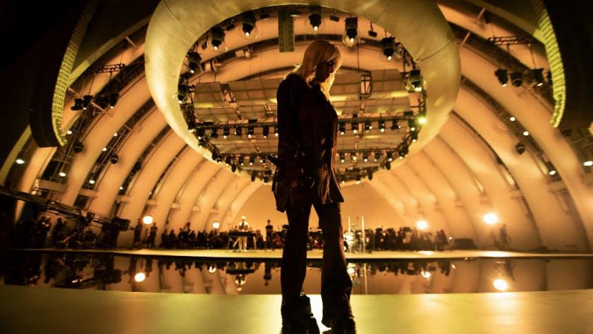 Billie Eilish släpper konsertfilm – med stor orkester